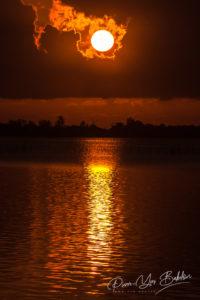 Lever de soleil sur le canal des Pangalanes, à l'est de Madagascar