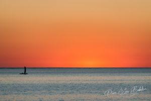 Voilier de pêche malgache au coucher du soleil au sud-ouest de Madagascar
