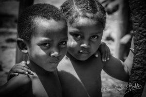 Frère et soeur malgaches Sakalava dans le nord de Madagascar