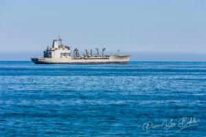 Navire militaire ancré dans l'océan Pacifique