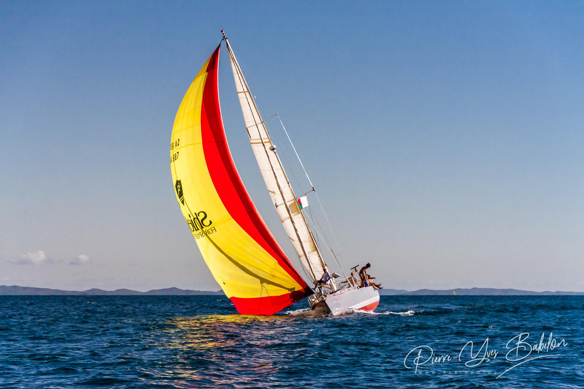 Yachtsman team sailing