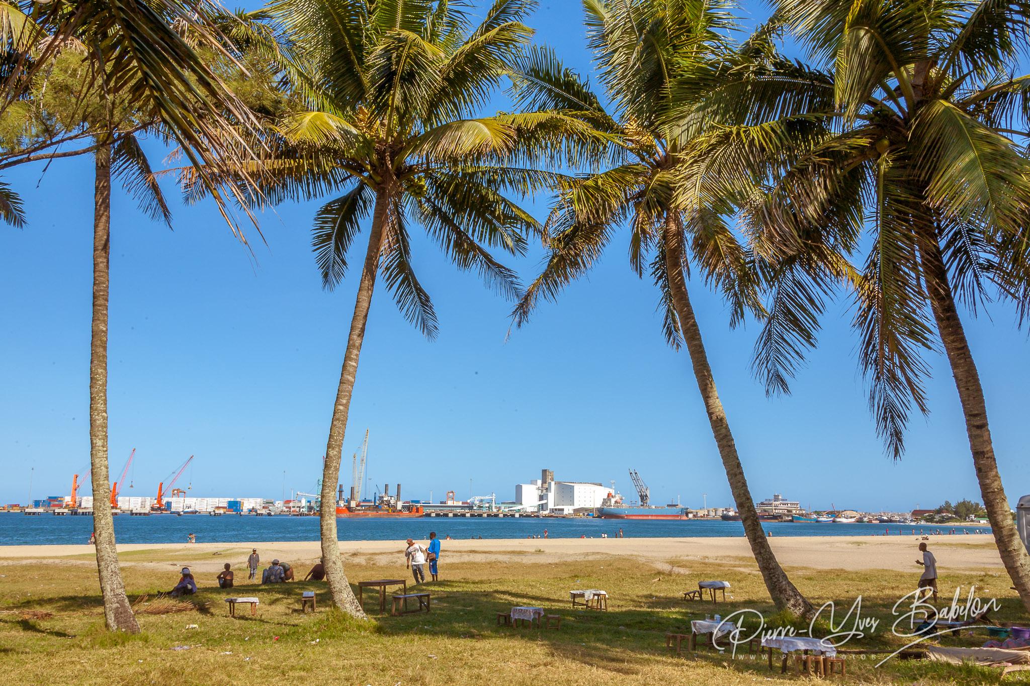 Picnic on the beach of Toamasina