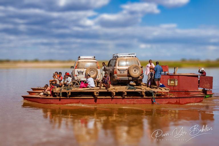 Au fil du fleuve Tsiribihina, Madagascar