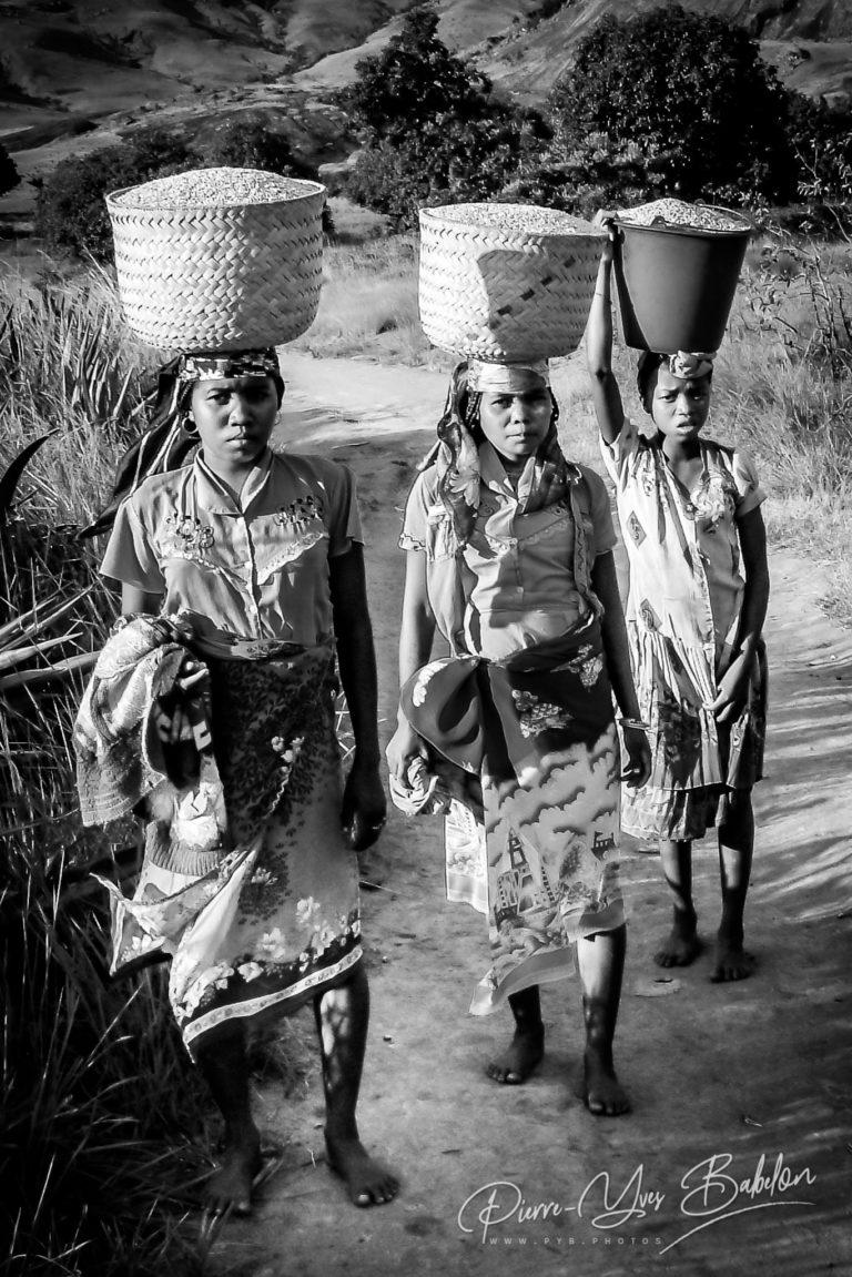 Femmes malgaches Bara de l'Andringitra