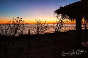 Bungalow au coucher du soleil à Ankasy, Madagascar