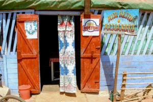 Restaurant à Belo sur Tsiribihina, Madagascar