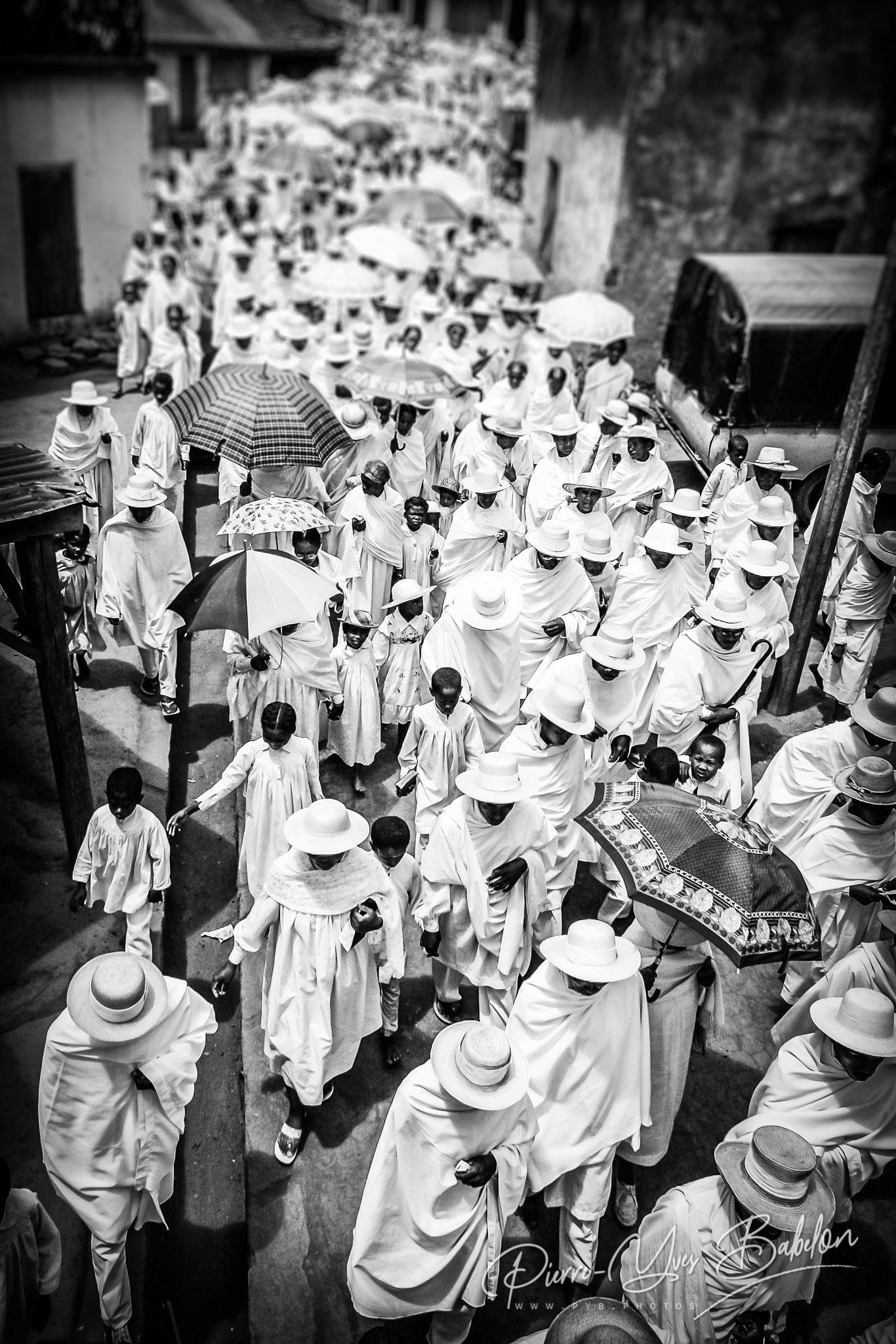 Procession des Bergers Blancs de Soatanana, Madagascar