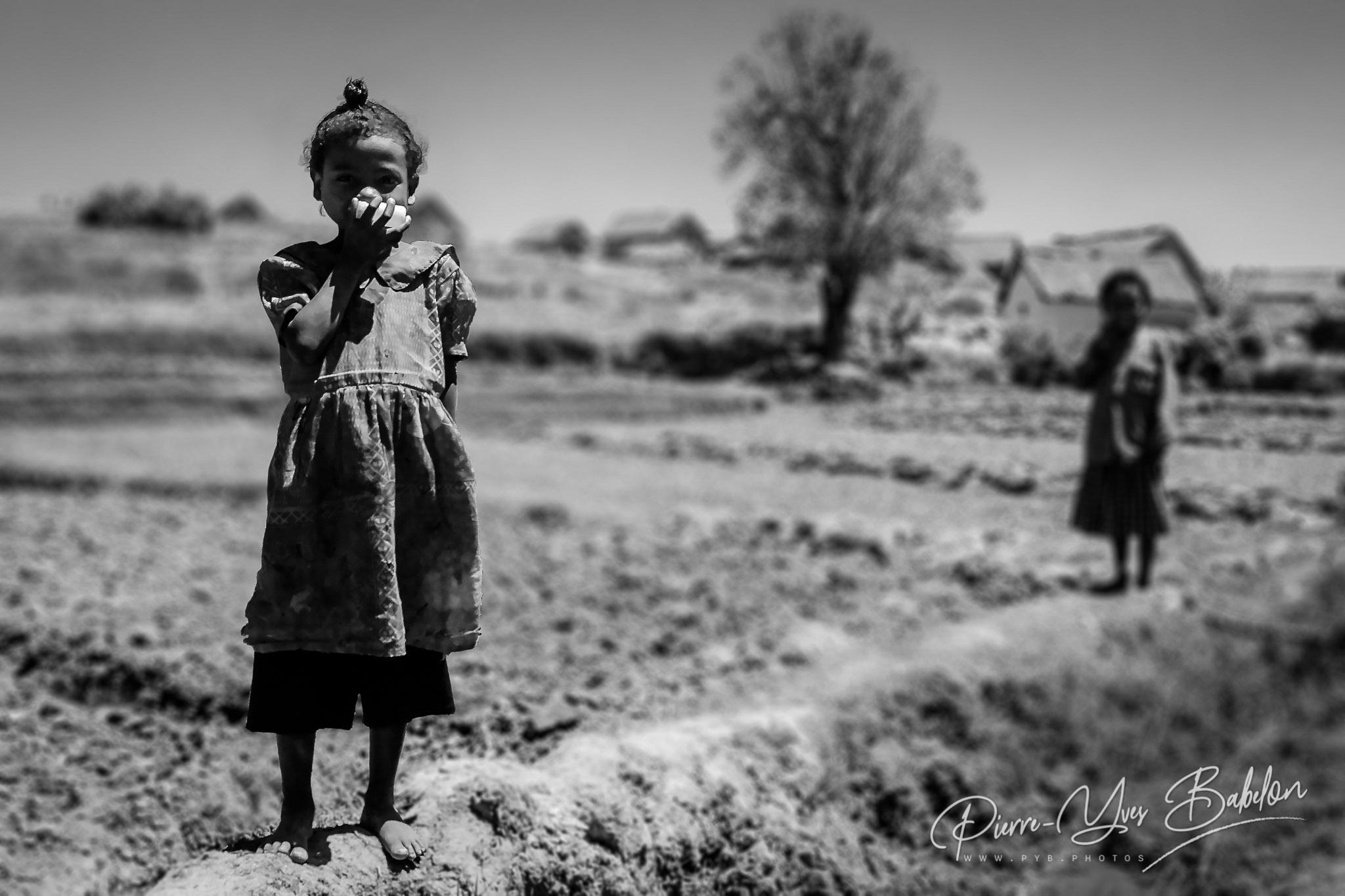 La petite fille dans la rizière
