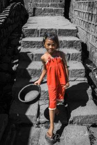 Jeune fille malgache Merina dans les marches d'Antananarivo, Madagascar