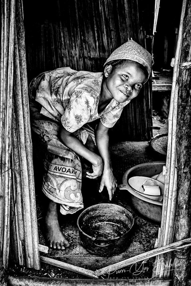 Jeune villageoise malgache