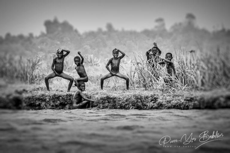 Enfants du canal des Pangalanes, Madagascar