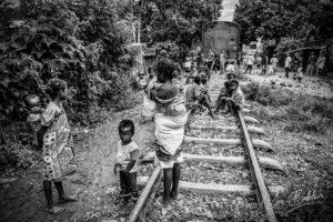 Village près du train Fianarantsoa - Côte Est, Madagascar
